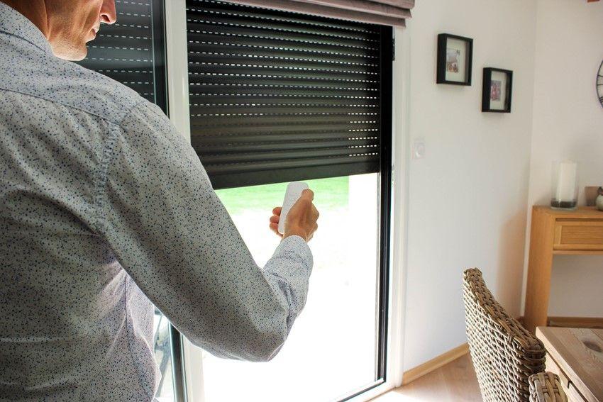 automatisk solskjerming med persienner